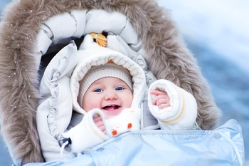 Kleines Kind im Kinderbuggy - Kinderbuggy Test